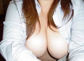 Gros seins laiteux pour une baise dans la Sarthe