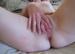 Ouvre sa chatte - Mature salope
