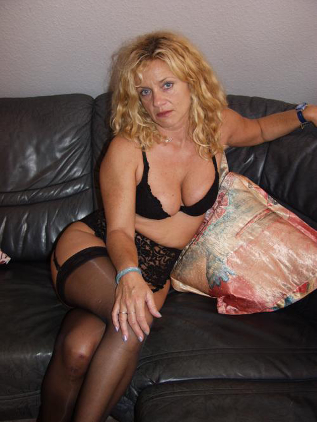 vieille en collant sexemodel cannes