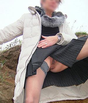 Femme exhibe Nantes pour plan rapide extérieur