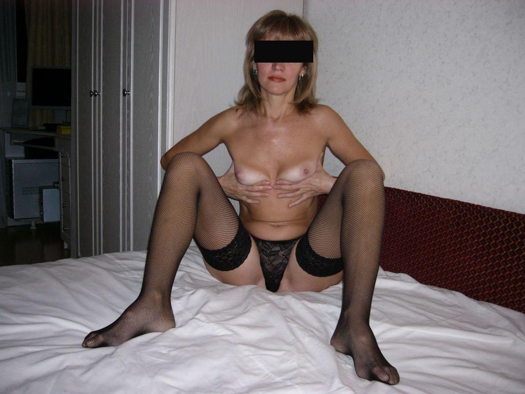 Femme mûre en lingerie sexy