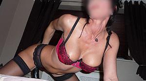 Mature coquine de Toulon, rencontre en lingerie sexy