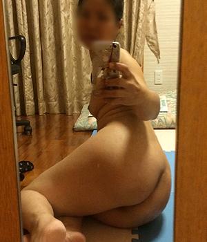 Femme asiatique publie une annonce sexe à Bordeaux 33